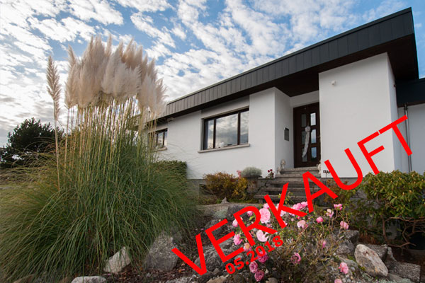 Traumhaftes 6.5-Zimmer-Einfamilienhaus mit Seeblick und Swimmingpool!