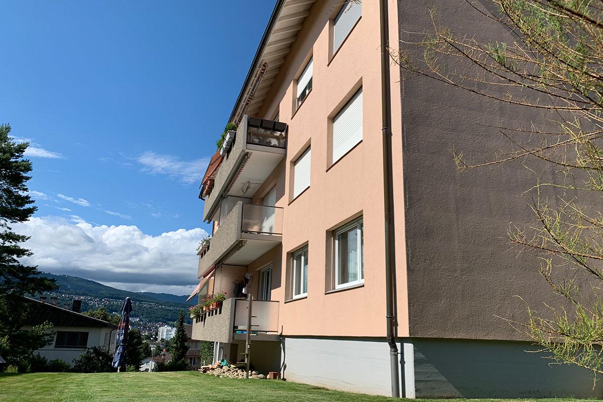 Renditeobjekt: 2 Mehrfamilienhäuser, je 8 Einheiten in Port