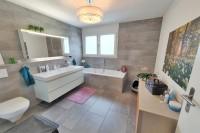 10_badezimmer.jpg