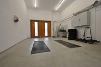 11-garagelift.jpg